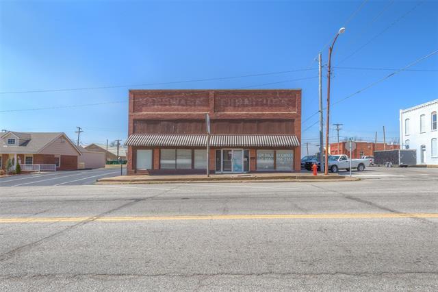 202 S Broadway Street, Coweta, OK 74429 (MLS #1810623) :: Brian Frere Home Team