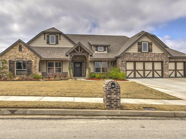 1510 N Old North Place, Sand Springs, OK 74063 (MLS #1811335) :: Brian Frere Home Team