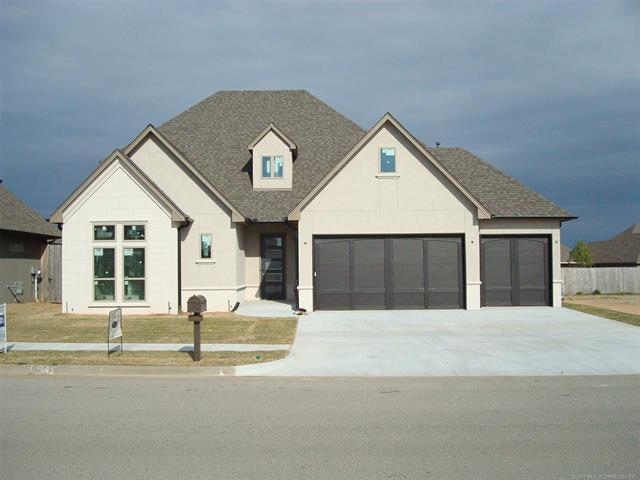 4369 S 173rd East Avenue, Tulsa, OK 74134 (MLS #1811361) :: Brian Frere Home Team