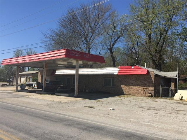 202 S 5th Street, Collinsville, OK 74021 (MLS #1811752) :: Hopper Group at RE/MAX Results