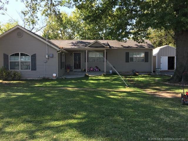 106 S Gertrude Avenue, Wagoner, OK 74467 (MLS #1811759) :: Brian Frere Home Team