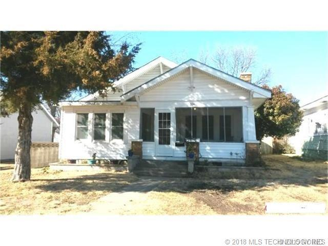 704 W Moore Street, Henryetta, OK 74437 (MLS #1812032) :: Hopper Group at RE/MAX Results