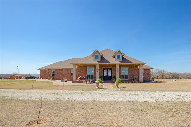 216 N Haskell Street, Pauls Valley, OK 73433 (MLS #1812142) :: Hopper Group at RE/MAX Results