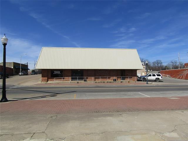201 N Muskogee Avenue, Tahlequah, OK 74464 (MLS #1812467) :: Hopper Group at RE/MAX Results