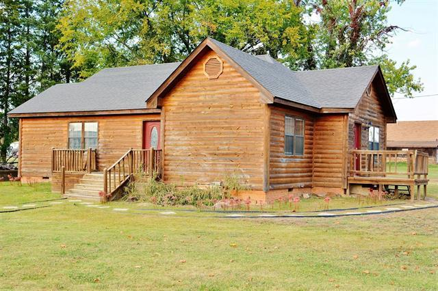 208 SW 3rd Street, Antlers, OK 74523 (MLS #1812525) :: Hopper Group at RE/MAX Results