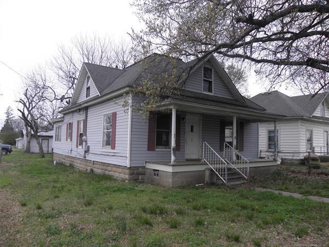 310 S State Street, Wagoner, OK 74467 (MLS #1812719) :: Brian Frere Home Team