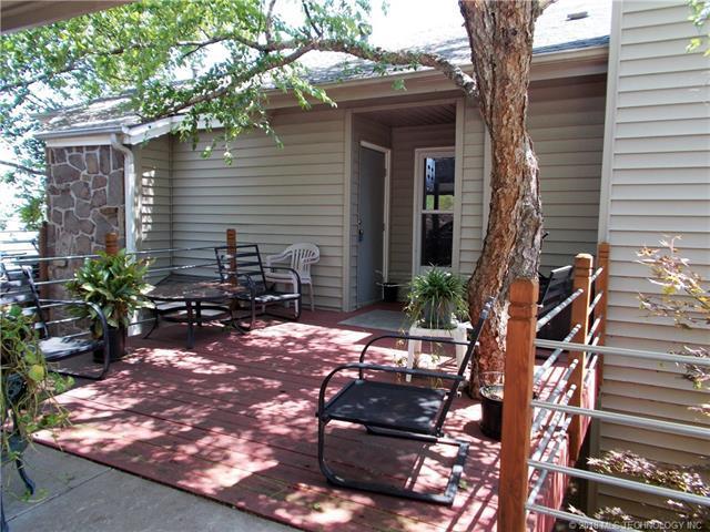 705 Villa Vista Drive, Pryor, OK 74361 (MLS #1812898) :: Brian Frere Home Team
