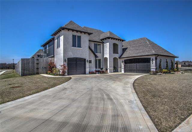 4516 S 173rd East Avenue, Tulsa, OK 74134 (MLS #1813013) :: Brian Frere Home Team
