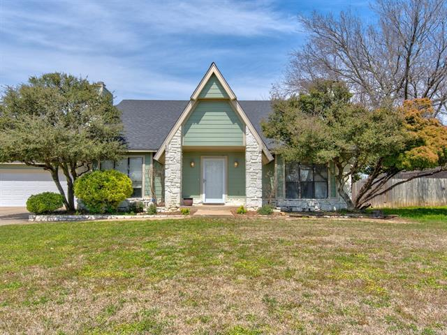 1237 Forest Lane, Catoosa, OK 74015 (MLS #1813688) :: Brian Frere Home Team