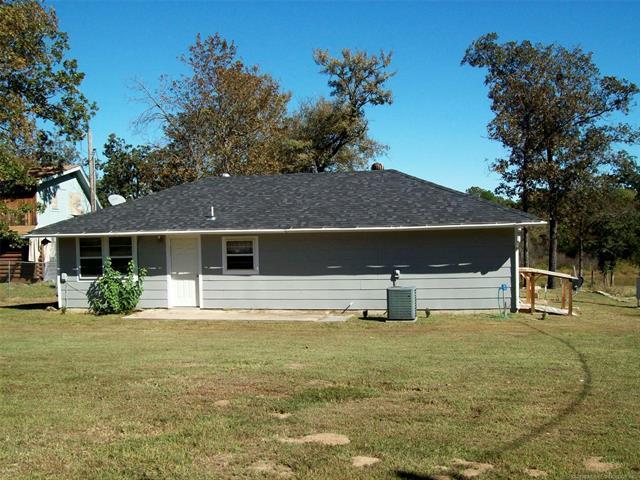 114241 S 4209 Road, Eufaula, OK 74432 (MLS #1813704) :: Brian Frere Home Team