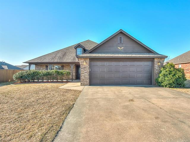 13168 E 131st Street North, Collinsville, OK 74021 (MLS #1813761) :: Hopper Group at RE/MAX Results