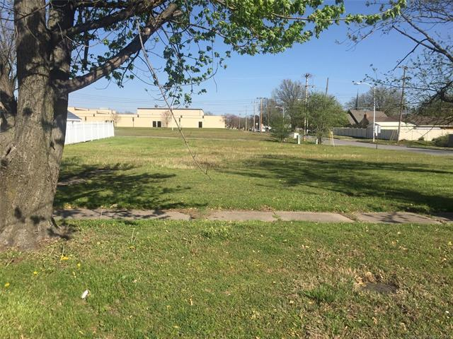 17 S Coo-Y-Yah Street, Pryor, OK 74361 (MLS #1813893) :: Hopper Group at RE/MAX Results