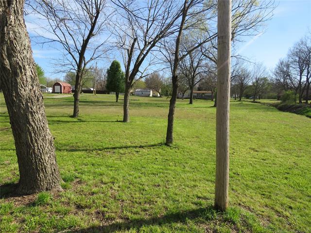 514 W Creek Road, Checotah, OK 74426 (MLS #1813924) :: Brian Frere Home Team