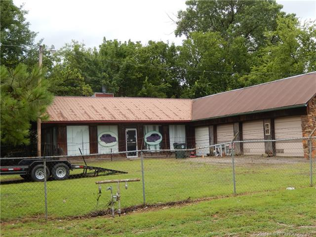 903 S Sioux Street, Okmulgee, OK 74447 (MLS #1814012) :: Hopper Group at RE/MAX Results