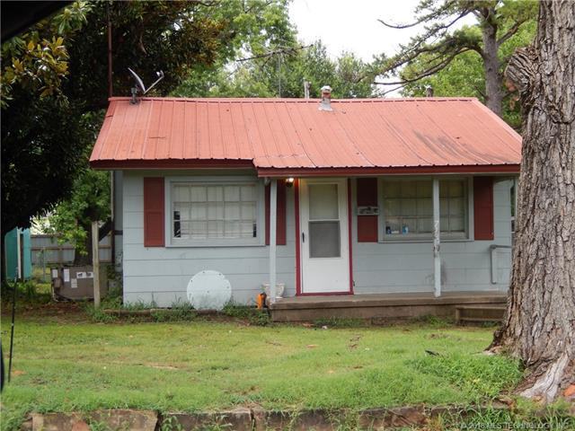 719 S Chickasaw Avenue, Okmulgee, OK 74447 (MLS #1814014) :: Hopper Group at RE/MAX Results