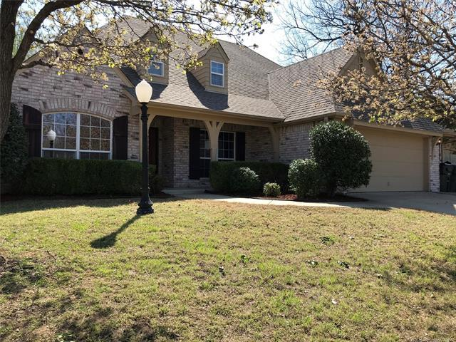 9301 N 105th East Avenue, Owasso, OK 74055 (MLS #1814168) :: Hopper Group at RE/MAX Results