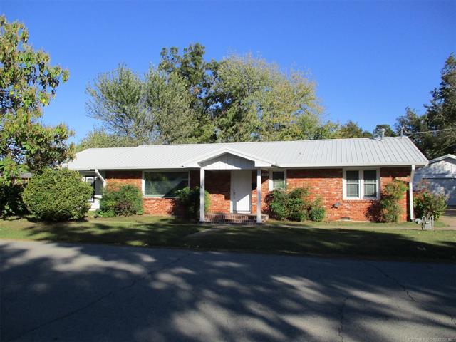 608 N E Street, Eufaula, OK 74432 (MLS #1814248) :: Hopper Group at RE/MAX Results