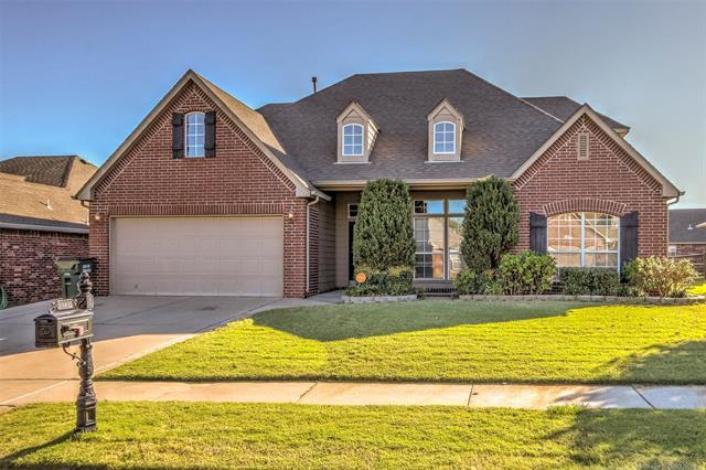 10403 N 115th East Avenue, Owasso, OK 74055 (MLS #1814249) :: Hopper Group at RE/MAX Results