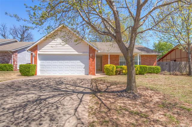 10027 S 93rd East Avenue, Tulsa, OK 74133 (MLS #1814394) :: Hopper Group at RE/MAX Results