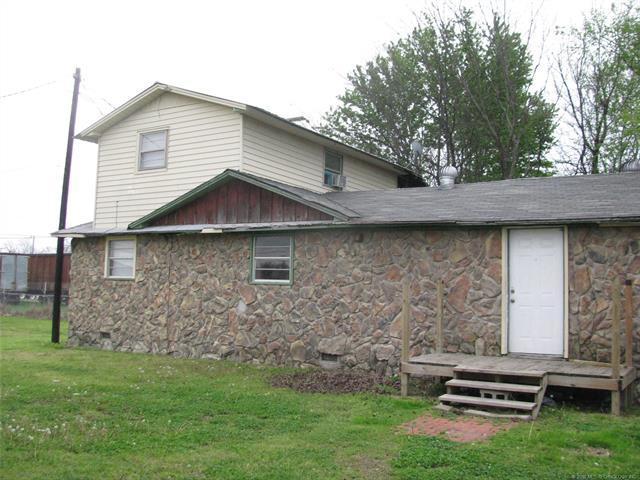 118 SE Main Street, Checotah, OK 74426 (MLS #1814630) :: Brian Frere Home Team
