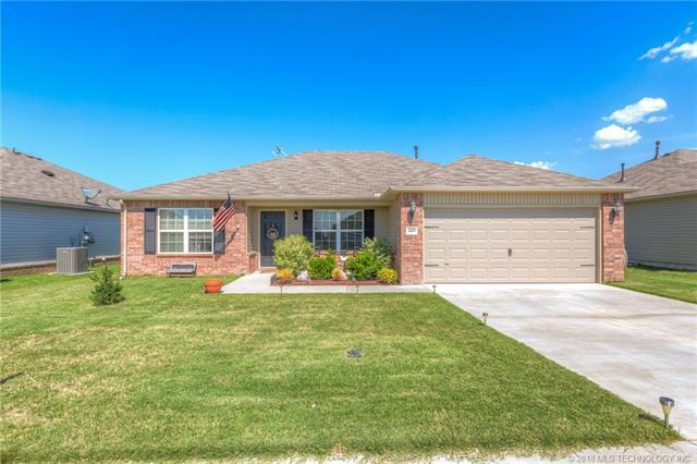 6609 N 128th East Avenue, Owasso, OK 74055 (MLS #1814815) :: Hopper Group at RE/MAX Results