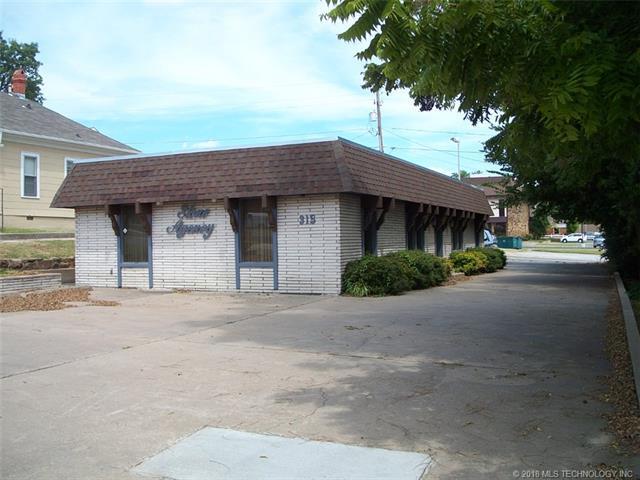 315 N Washington Avenue, Sand Springs, OK 74063 (MLS #1815663) :: Brian Frere Home Team