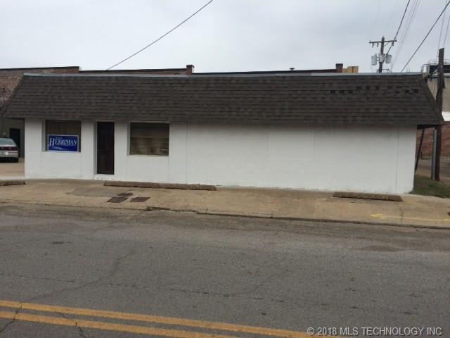 110 N 6th Street, Muskogee, OK 74401 (MLS #1816270) :: Brian Frere Home Team