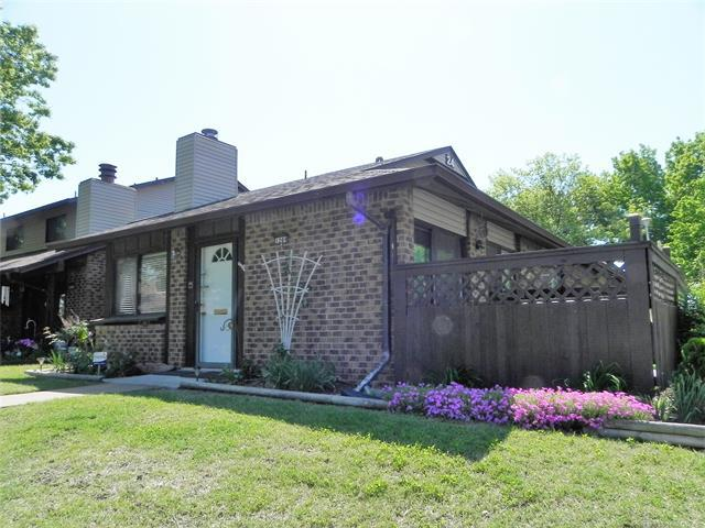 1209 S 112TH East Avenue 24D, Tulsa, OK 74128 (MLS #1816973) :: Brian Frere Home Team