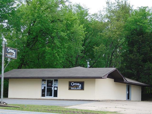 416 E Main Street, Locust Grove, OK 74352 (MLS #1816980) :: Hopper Group at RE/MAX Results