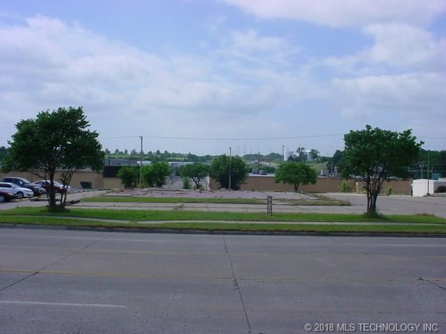 3813 E Frank Phillips Boulevard, Bartlesville, OK 74006 (MLS #1817784) :: Brian Frere Home Team