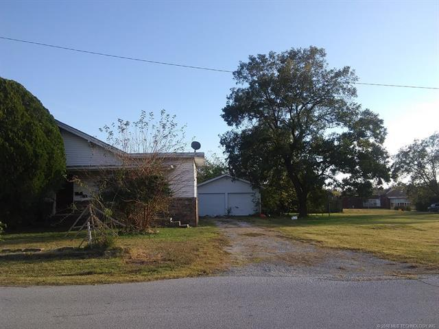 806 E 15th Street, Okmulgee, OK 74447 (MLS #1817857) :: Hopper Group at RE/MAX Results