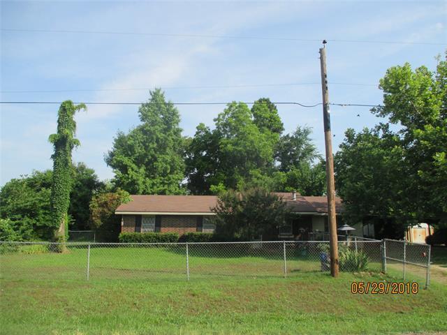 310 SW 4th Street N, Antlers, OK 74523 (MLS #1817937) :: Brian Frere Home Team