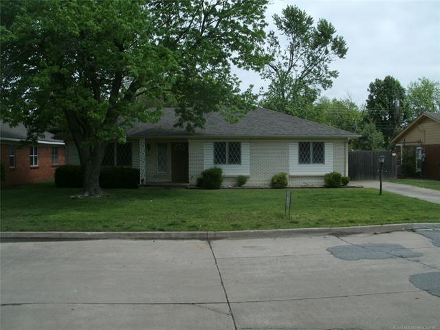 4519 S Irvington Avenue, Tulsa, OK 74135 (MLS #1818261) :: Brian Frere Home Team
