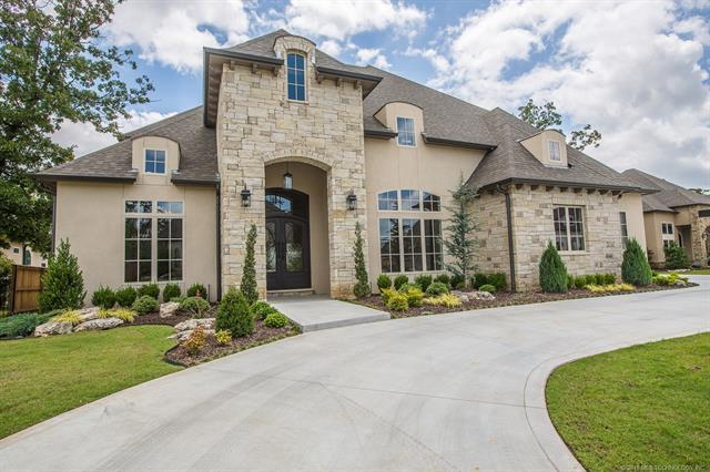 7919 S Frisco Avenue, Tulsa, OK 74132 (MLS #1818622) :: Brian Frere Home Team
