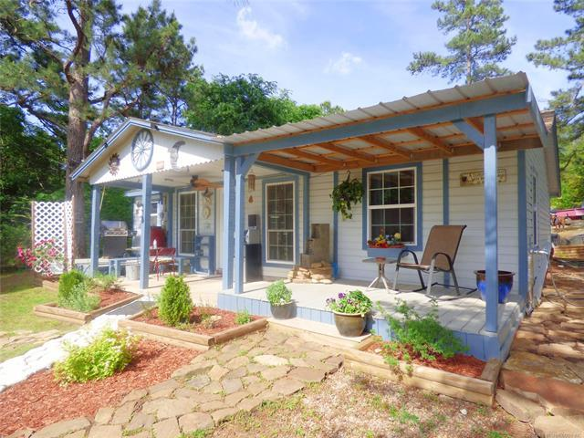 102 Pine Street, Eufaula, OK 74432 (MLS #1818638) :: Hopper Group at RE/MAX Results