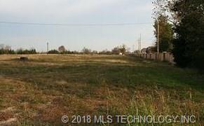 2912 Loris Lane, Bartlesville, OK 74006 (MLS #1818782) :: Brian Frere Home Team