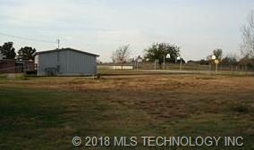 2909 Loris Lane, Bartlesville, OK 74006 (MLS #1818785) :: Brian Frere Home Team