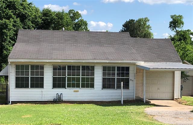 1334 E Mcleod Avenue, Sapulpa, OK 74066 (MLS #1818804) :: 918HomeTeam - KW Realty Preferred