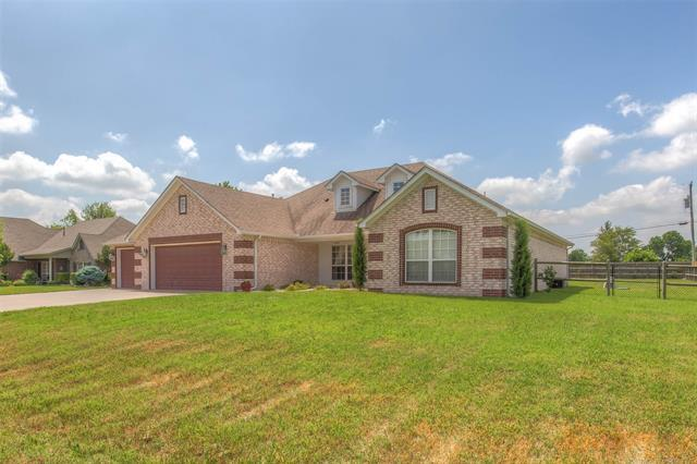 16314 E 77th Place North, Owasso, OK 74055 (MLS #1819272) :: 918HomeTeam - KW Realty Preferred