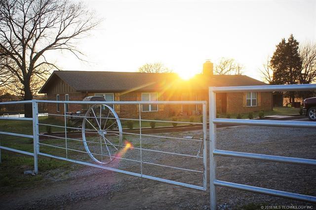 98153 N 3755 Rd. County Road, Okemah, OK 74859 (MLS #1819281) :: Brian Frere Home Team
