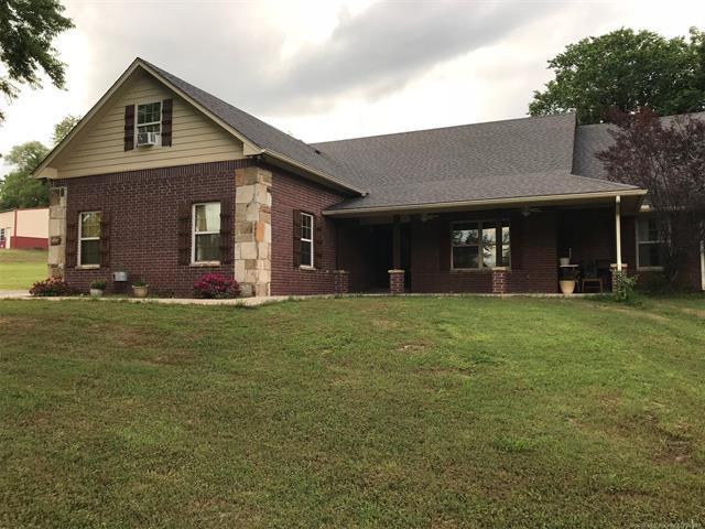 3590 W Cedar Creek Circle, Fort Gibson, OK 74434 (MLS #1819291) :: Brian Frere Home Team