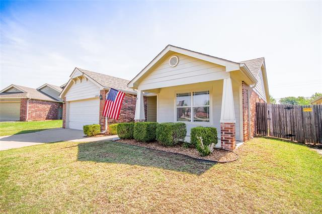 11213 N 144th East Avenue, Owasso, OK 74055 (MLS #1819377) :: 918HomeTeam - KW Realty Preferred