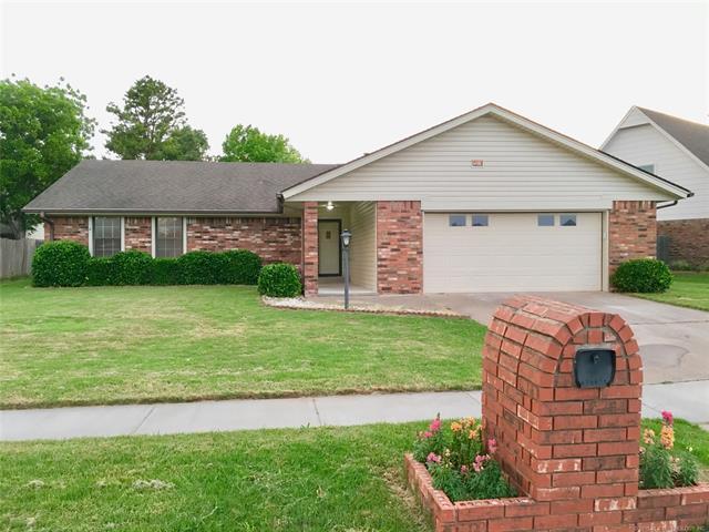 3820 S 100th East Avenue, Tulsa, OK 74146 (MLS #1819395) :: 918HomeTeam - KW Realty Preferred