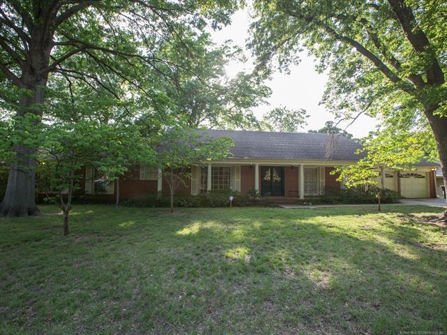 5678 S Delaware Place, Tulsa, OK 74105 (MLS #1819471) :: 918HomeTeam - KW Realty Preferred