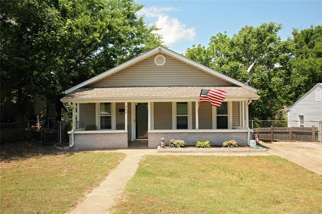 802 N Roosevelt Avenue, Sand Springs, OK 74063 (MLS #1819485) :: 918HomeTeam - KW Realty Preferred
