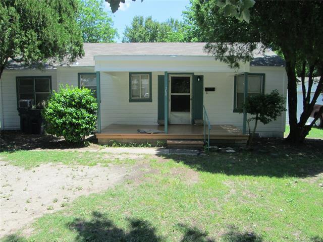 810 N Stockton Street, Ada, OK 74820 (MLS #1819559) :: Brian Frere Home Team
