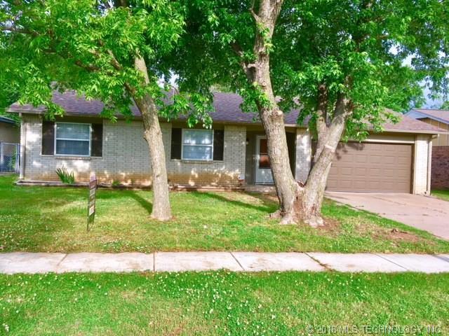 1334 S 123rd East Avenue, Tulsa, OK 74128 (MLS #1819587) :: 918HomeTeam - KW Realty Preferred