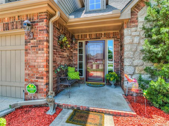 12714 E 89th Street North, Owasso, OK 74055 (MLS #1819590) :: 918HomeTeam - KW Realty Preferred