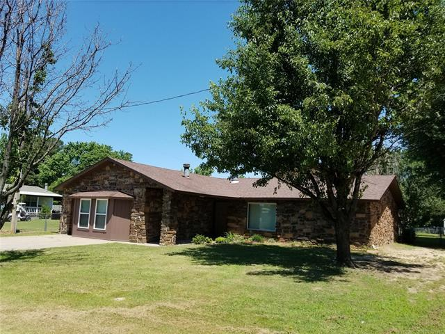 37 1st Street, Eufaula, OK 74432 (MLS #1819593) :: Hopper Group at RE/MAX Results