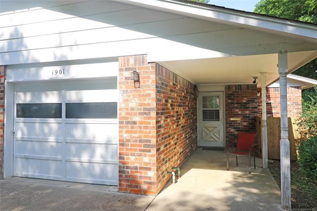 1901 Hillcrest Drive #6, Bartlesville, OK 74003 (MLS #1819846) :: Brian Frere Home Team